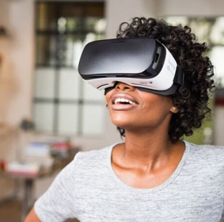 Next Gear VR Headset Will Come with Dedicated Controller